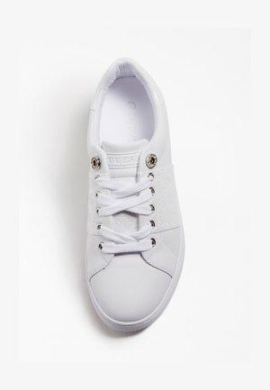REJEENA - Sneakersy niskie - weiß