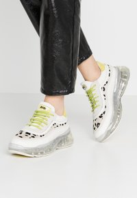 Bronx - BUBBLY - Sneakers laag - offwhite/lime - 0