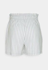 ONLY - ONLJOLLA - Shorts - faded denim/cloud dancer - 6