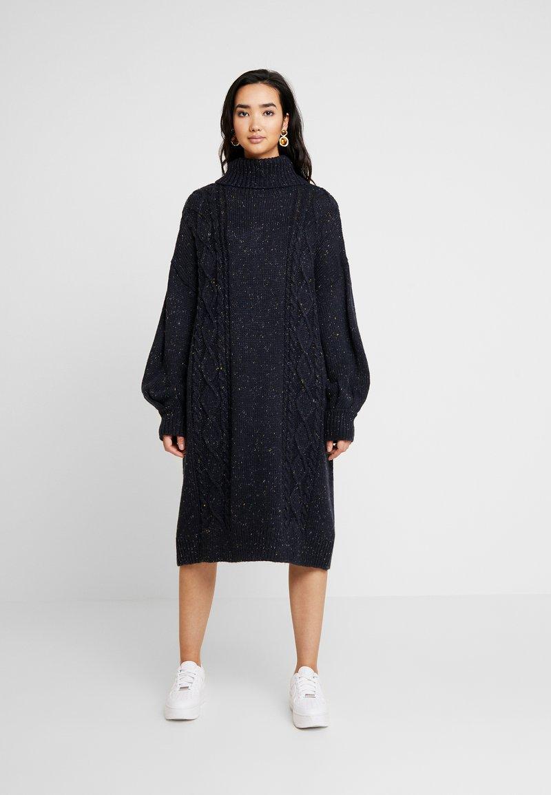 Monki - VALDA DRESS - Strikket kjole - blue dark