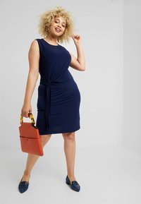 MICHAEL Michael Kors - TIE WAIST CREW NECK DRESS - Jersey dress - true navy - 1