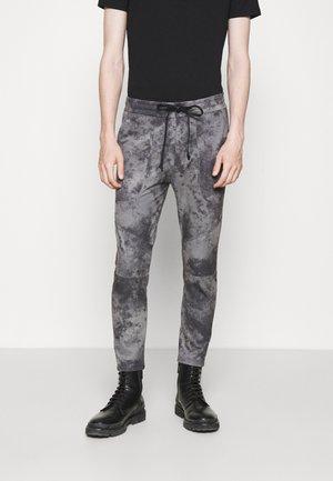 KAB - Trousers - grau