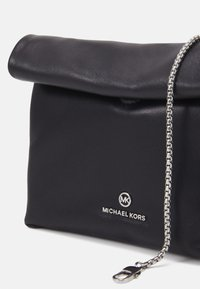 MICHAEL Michael Kors - LOLA - Across body bag - black - 6