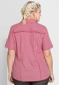 Sheego - Button-down blouse - rot-weiß - 2
