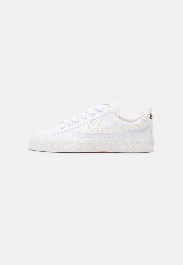 WB-1 UNISEX - Sneakers laag - white/ white