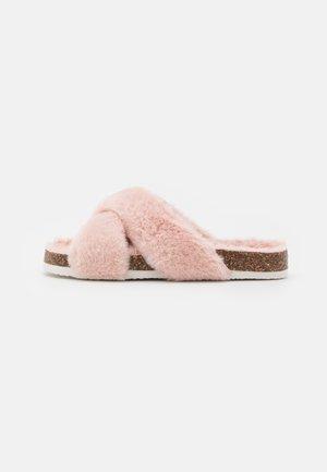 Pantofole - light pink