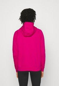 Nike Sportswear - HOODIE - Hettejakke - fireberry/white - 2