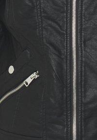 Vero Moda Tall - VMKHLOE FAVO  - Imitert skinnjakke - black - 2