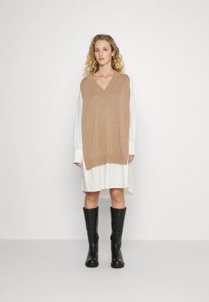 RADISH - Jumper dress - camel