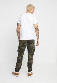 Levi's® - TAPERED CARGO - Pantaloni cargo - khaki - 2
