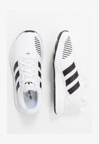 adidas Originals - SWIFT RUN - Trainers - ftwwht/cblack/ftwwht - 1