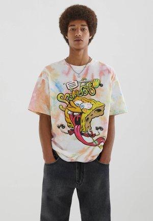 MIT SPONGEBOB - Print T-shirt - orange