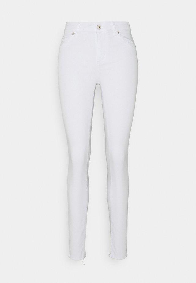 ONLBLUSH LIFE - Skinny džíny - white
