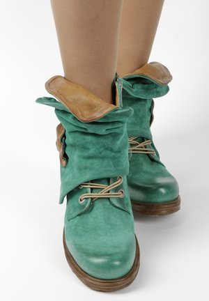 Cowboy/biker ankle boot - green