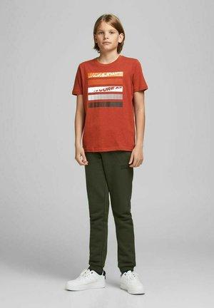 Print T-shirt - red ochre