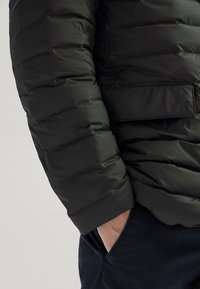 Massimo Dutti - Winter jacket - khaki - 4