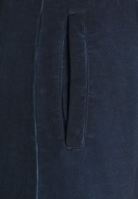 Russell Athletic Eagle R - AZAMAT - Tracksuit bottoms - navy - 2