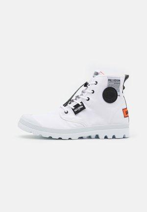 PAMPA LITE OVERLAB UNISEX - Sneakersy wysokie - white