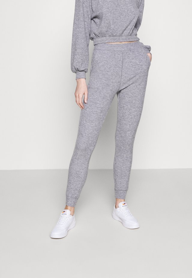 BRUSHED RIB JOGGER - Pantalon de survêtement - grey