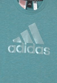 adidas Performance - TEE - T-shirt z nadrukiem - mint tone melange - 2