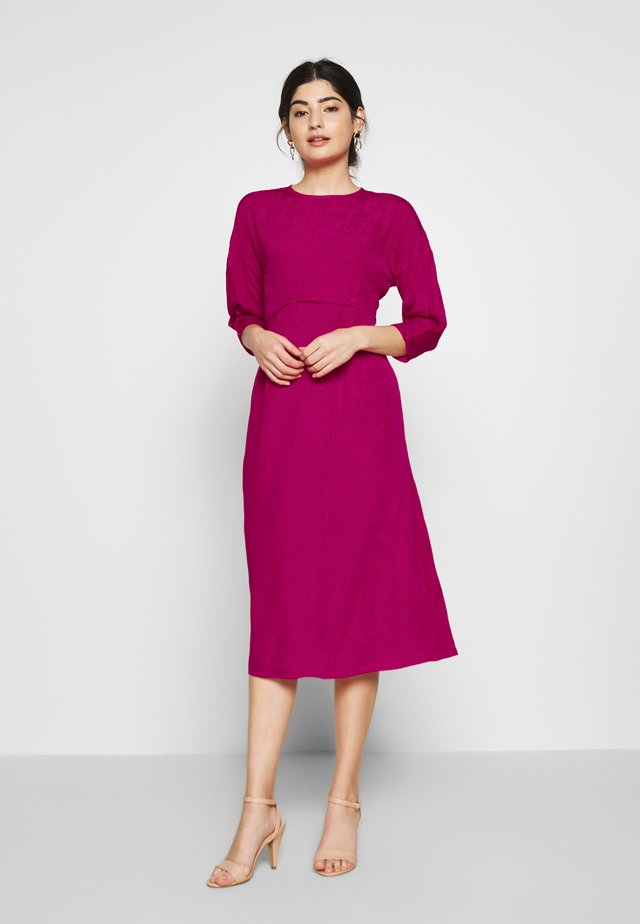 TRIM DETAIL MIDI DRESS - Day dress - pink