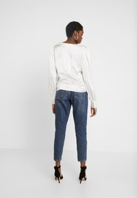 Nly by Nelly - EYE CATCHER BLOUSE - Blus - creme - 2