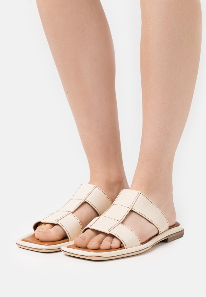 Rejina Pyo - ROWAN  - Pantofle - ivory