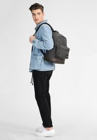 Eastpak - WYOMING - Ryggsäck - black denim - 0