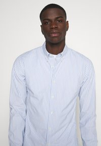 Abercrombie & Fitch - Shirt - white/blue - 3