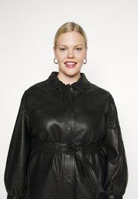 Selected Femme Curve - SLFLEA LONG JACKET - Faux leather jacket - black - 3