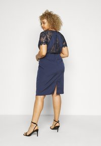 Chi Chi London Curvy - ARMILLA DRESS - Robe de soirée - navy - 2