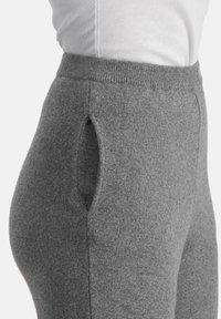 Nicowa - Tracksuit bottoms - grau - 4