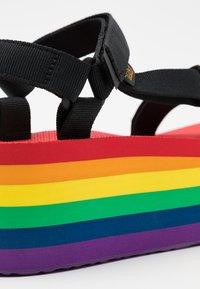 Teva - FLATFORM UNIVERSAL - Chodecké sandály - rainbow/black - 5