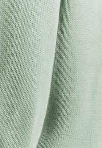 Part Two - Svetr - jadeite - 2