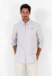 Scalpers - Shirt - burgundy stripes - 0