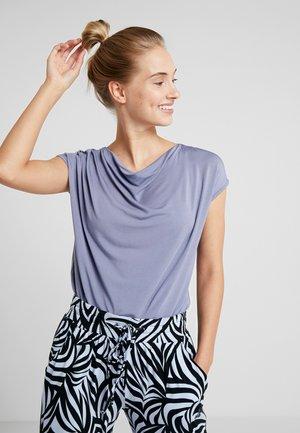 WASSERFALL - Camiseta básica - french blue