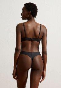 OYSHO - V-CUT - Bikini bottoms - black - 2