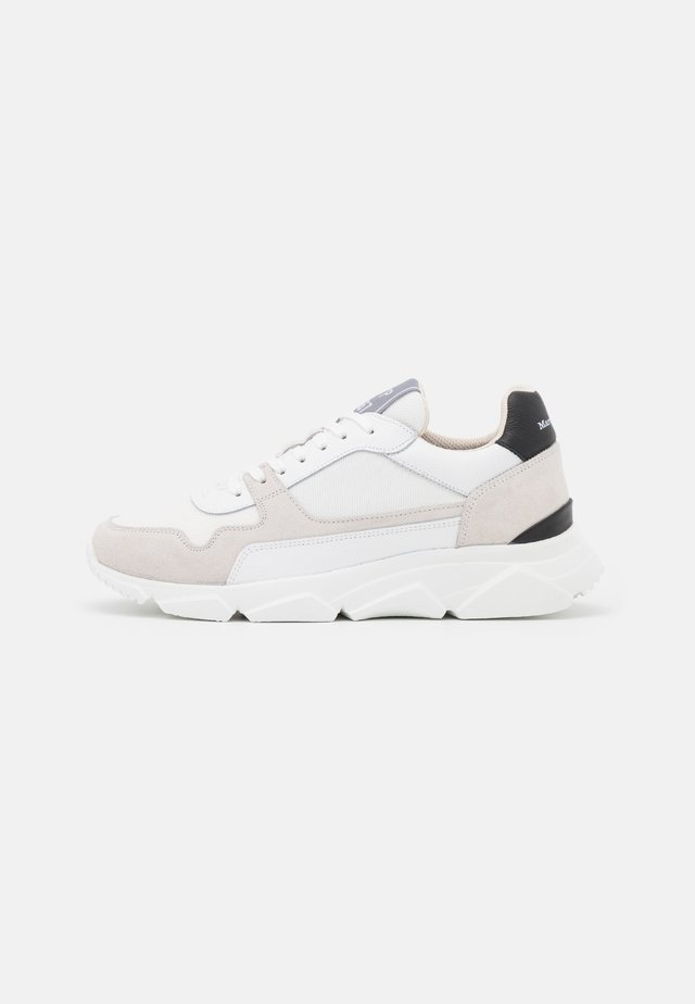 BULKY - Sneakers laag - offwhite/black