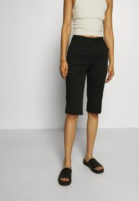 Who What Wear - CAPRI PANT - Shorts - black - 0