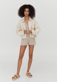 PULL&BEAR - Denim jacket - white - 1