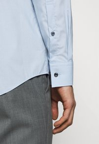 HUGO - KOEY - Formal shirt - pastel blue - 4
