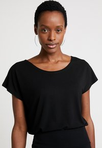 Masai - ELLEN  - T-shirt basic - black - 3