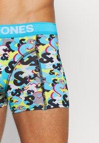 Jack & Jones - JACAND TRUNKS 3 PACK - Shorty - black/bonnie blue/surf the web - 5