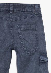 s.Oliver - Pantalones cargo - dark blue - 2