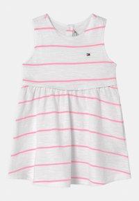 Tommy Hilfiger - BABY STRIPED SET - Jersey dress - white - 0