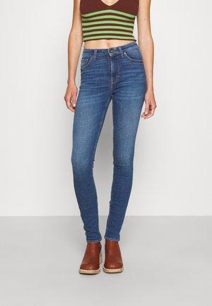 SHELLY - Skinny džíny - medium blue