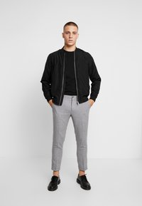 Viggo - ALTA TAPERED - Trousers - light grey - 1