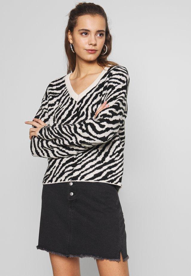 VMZEBS - Sweater - birch/black