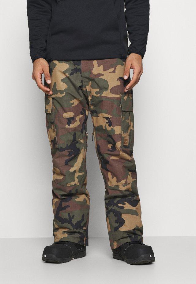 TRANSPORT - Pantaloni da neve - woodland camo