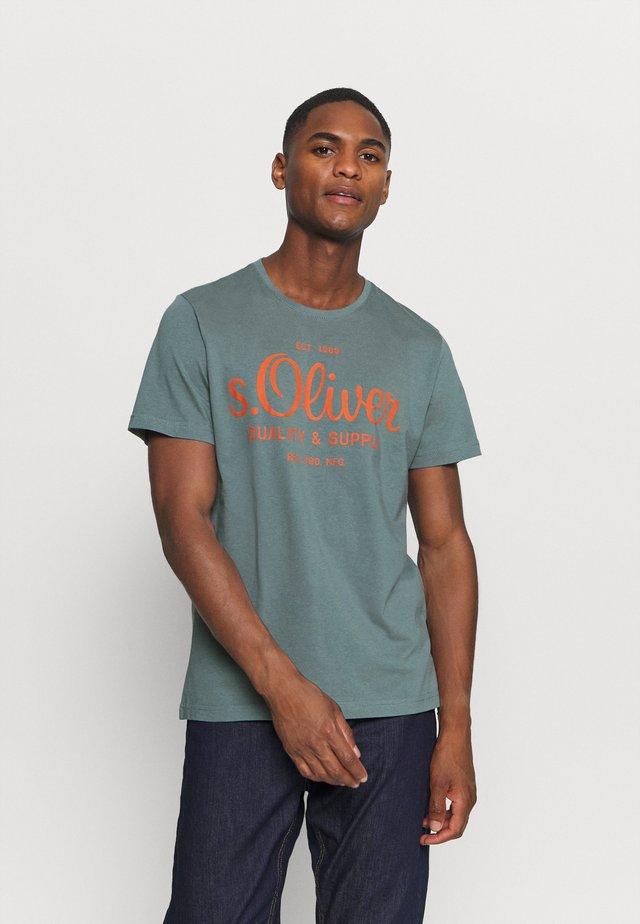 KURZARM - Print T-shirt - grey